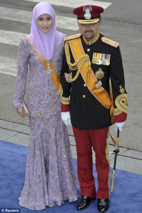 Crown Prince Billah (R) and Crown Princess Sarah of Brunei