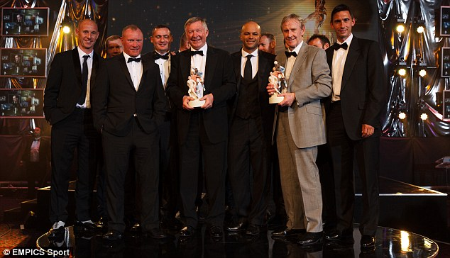 Plenty of merit: Manchester United manager Sir Alex Ferguson (centre) with the Merit Award during the PFA Player of the Year Awards