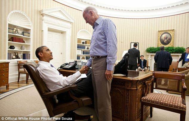Sealed: Obama makes an agreement with his feet on the Resolute desk
