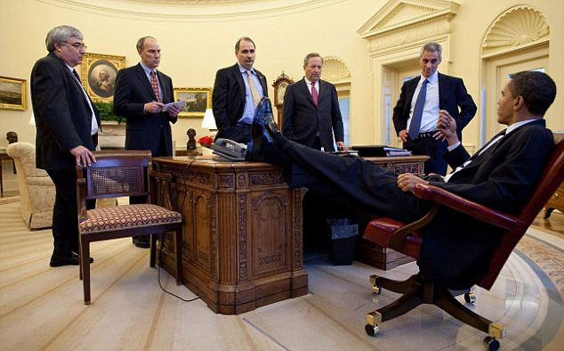Good advice: Obama receives his counselors in the Oval Office