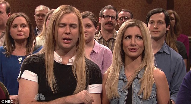 'They're not even wearing Friends T-shirts!' Zach expressed disdain after Nasim Pedrad and Taran Killam ranked higher than he did in the contest