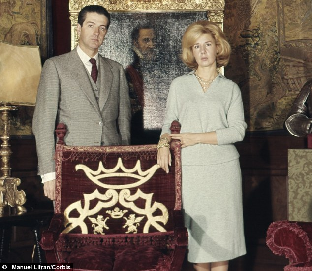 Early bliss: The 18th Duchess of Alba with her husband Luis Mart nez de Irujo y Artazcoz in January 1961