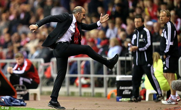 Frustration: Di Canio could barely watch as his side wasted a goalscoring opportunity