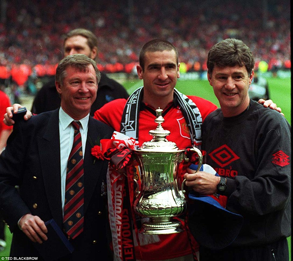 1996: Manchester United win the FA Cup - Ferguson, Eric Cantona and Brian Kidd with the trophy