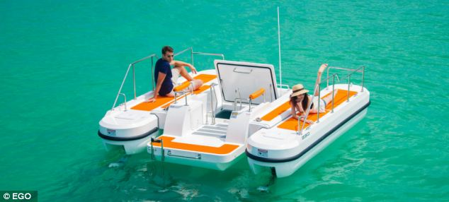 Floating hulls on both sides of the central cabin keep the EGO SE 450 buoyant.
