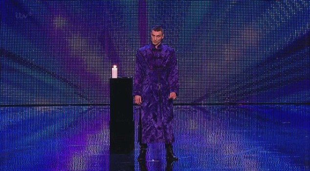 Magician Aaron Crow stunned the audience with his act, but he hide a secret