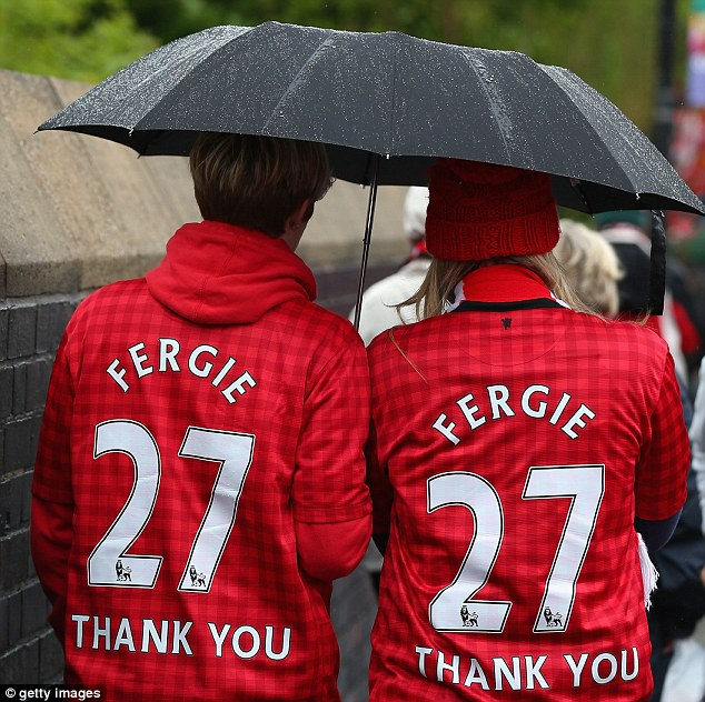 Thanks: Two fans show their gratitude before the game