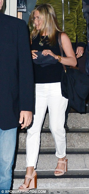 JUSTIN THEROUX AND JENNIFER ANISTON SPOTTED LEAVING THE NOBU RESTAURANT IN NEW YORK CITY!