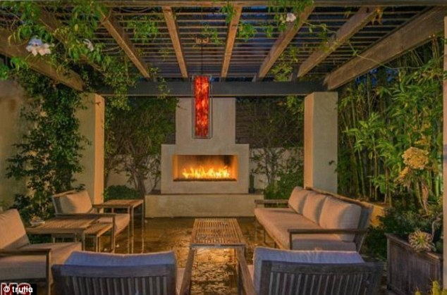 Multiple fireplaces: The mansion comes with five fireplaces, including an outdoor hearth