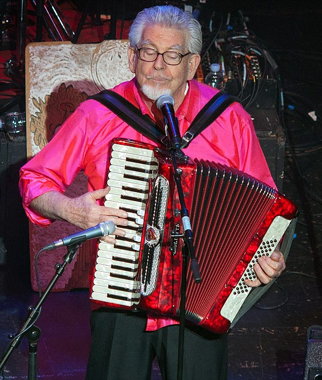 Rolf Harris playing at Bristol Hippodrome to a standing ovation