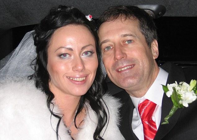 Anna Ziuzina and Barry Pring who married near Kiev, Ukraine, in 2007.  He was killed in February 2008