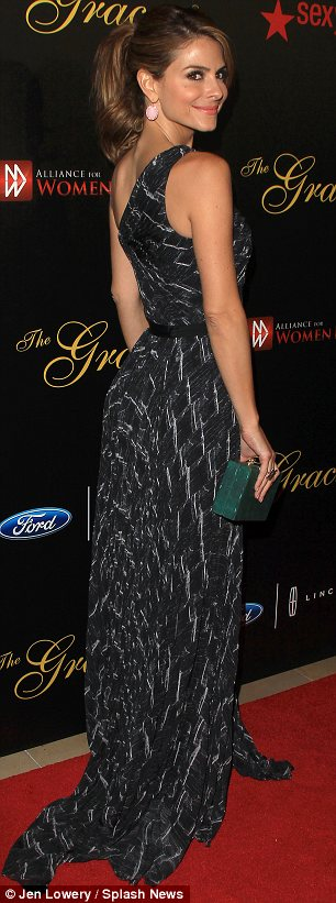 Paying homage to her Greek heritage: Maria Menounos chose an asymmetric and floor-sweeping black gown