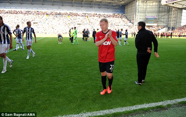Final bow: An emotional Scholes walks back to the dressing room after his final match at The Hawthorns