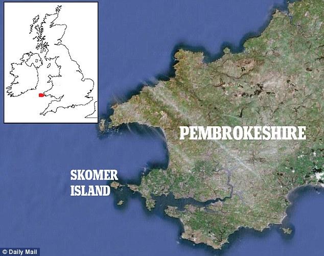The Lady Helen began to sink near Skomer Island off the Pembrokeshire Coast
