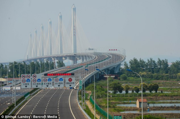 Big stretch: The bridge crosses Hangzhou Bay and starts from the front part of Maqing Road in Haicang District in Xiamen and ends at Houzhai, Longhai in Zhangzhou