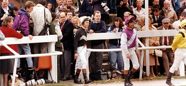 Lester Piggott was given a hero's welcome at Leicester yesterday when he returned to the saddle after a five-year break-but he failed to ride a winner from three mounts