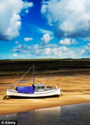 A boat on Holkham beach