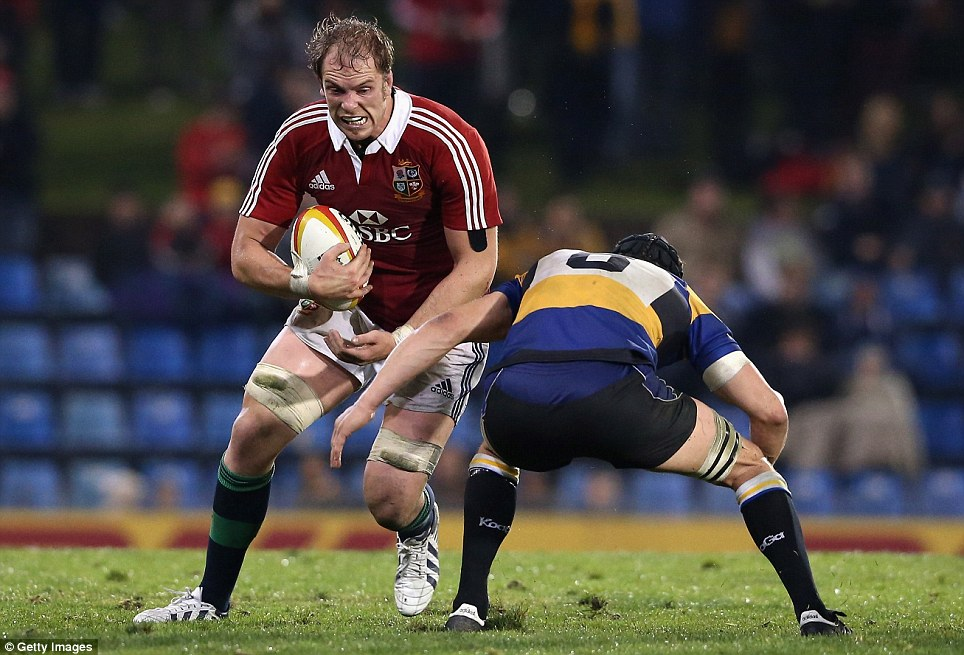 Workhorse: Alun Wyn Jones (left) is compared to Roy Keane at Manchester United by North because of his commitment and importance to the team