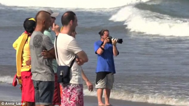 The competition attracted a large crowd of spectators and photographers