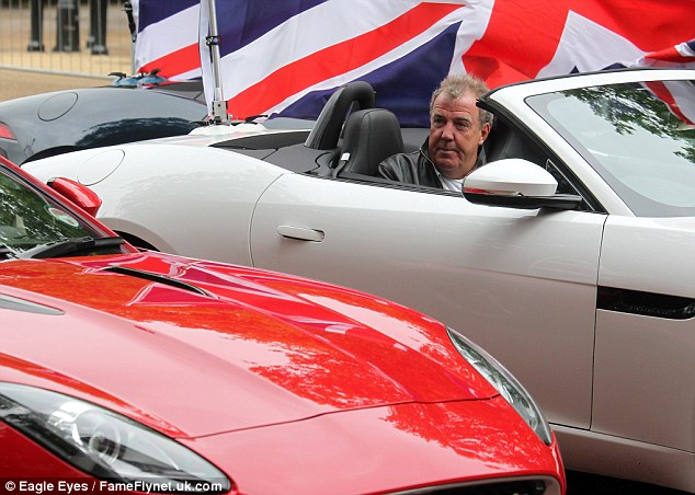 Clarkson talks to Hammond from his convertible Jaguar. They seemed comfortable and relaxed as they filmed the episode