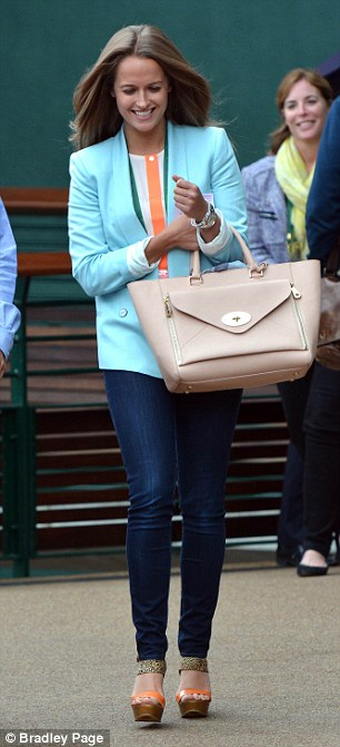 Kim Sears walking to Centre Court to watch Andy Murray