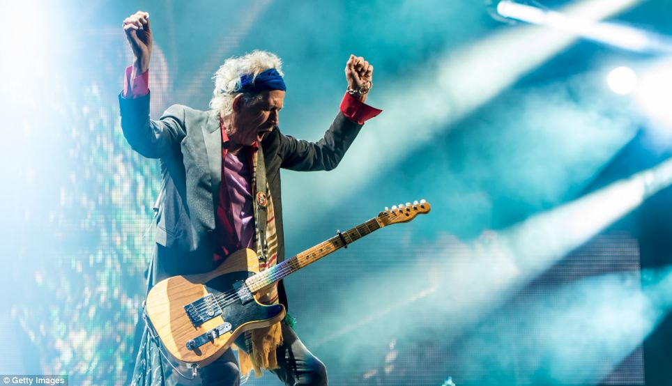 Keith Richards has a euphoric moment on stage