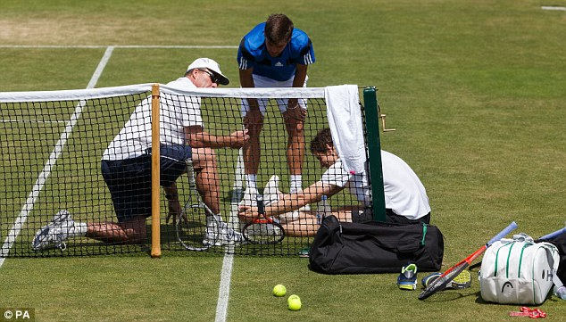 Team support: Lendl, Dani Vallverdu and Murray have a chat