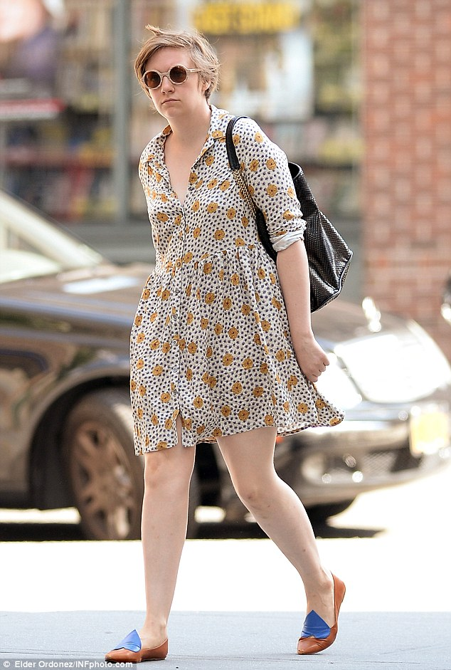 Strolling in the heat: Lena walked around New York in the warm weather