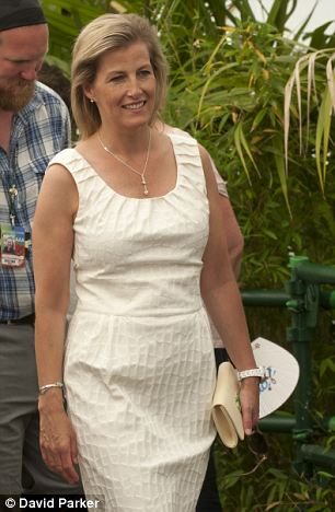 48-year-old Sophie looked summery and chic in a cream sleeveless dress at the official opening