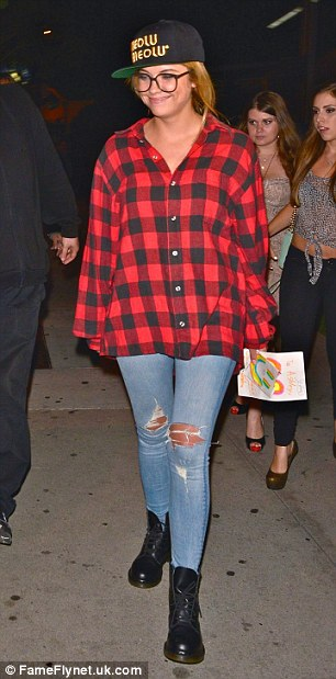 'Pretty Little Liars' actress Ashley Benson out for dinner with friends at BOA Steakhouse in Hollywood.