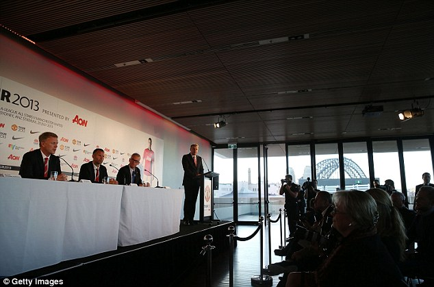 It's time to talk: Moyes and Giggs address the media in Australia