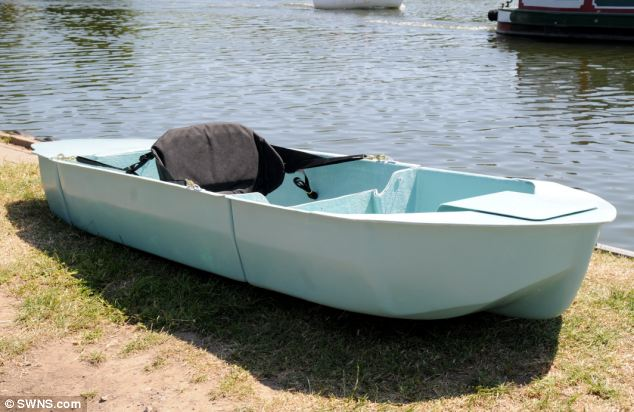 A budding canoeist and inventor from Somerset has designed a collapsible kayak.