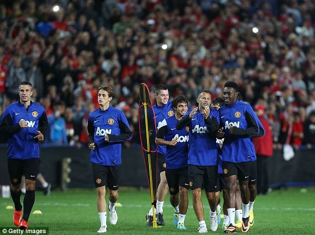 Star appeal: United train in front of 20,000 fans in Sydney, Australia