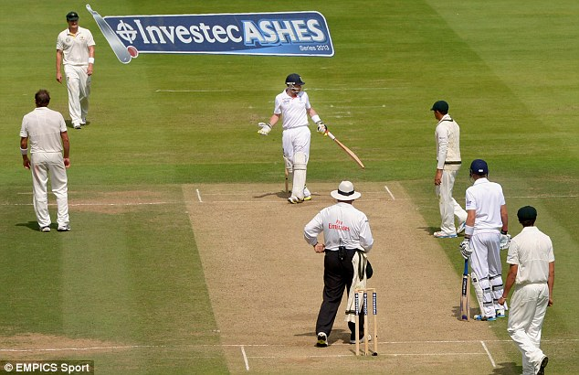 What's going on? Ian Bell in incredulous after being caught by Steve Smith but given not out