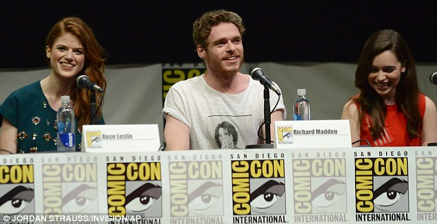 Question time! Emilia sat alongside her castmates Rose Leslie and Richard Madden where it looked as though they had a few funny questions thrown their way