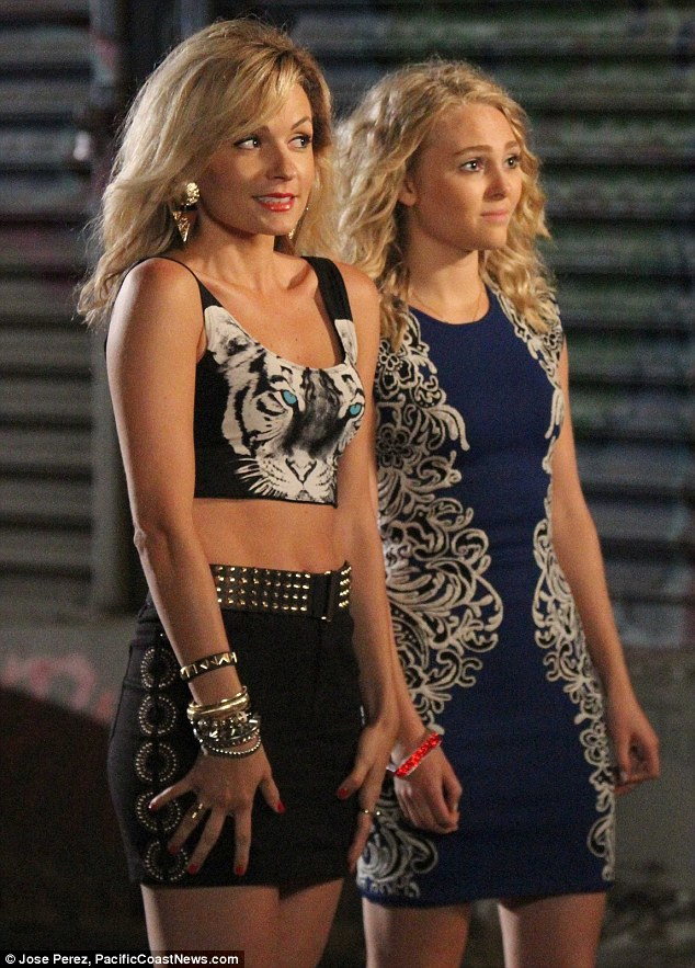 Little Sam and Carrie! The CW teenage prequel The Carrie Diaries starring AnnaSophia Robb (R) was canceled on May 8 after two tepid seasons