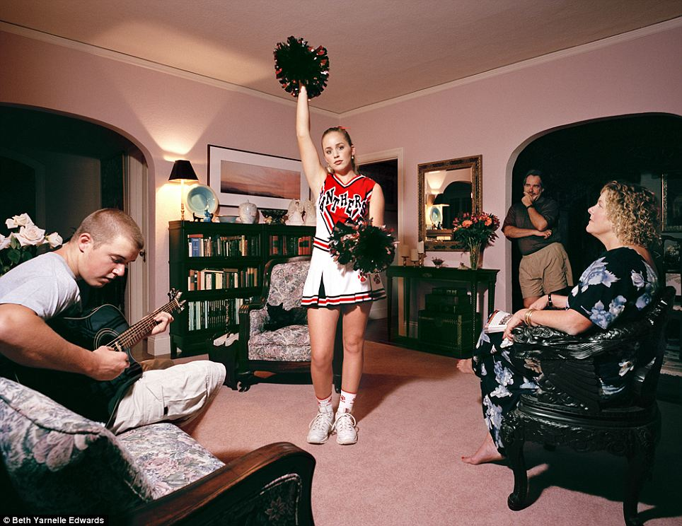 'Laurel': A girl practices cheerleading while her teenage brother plays guitar and the parents look on