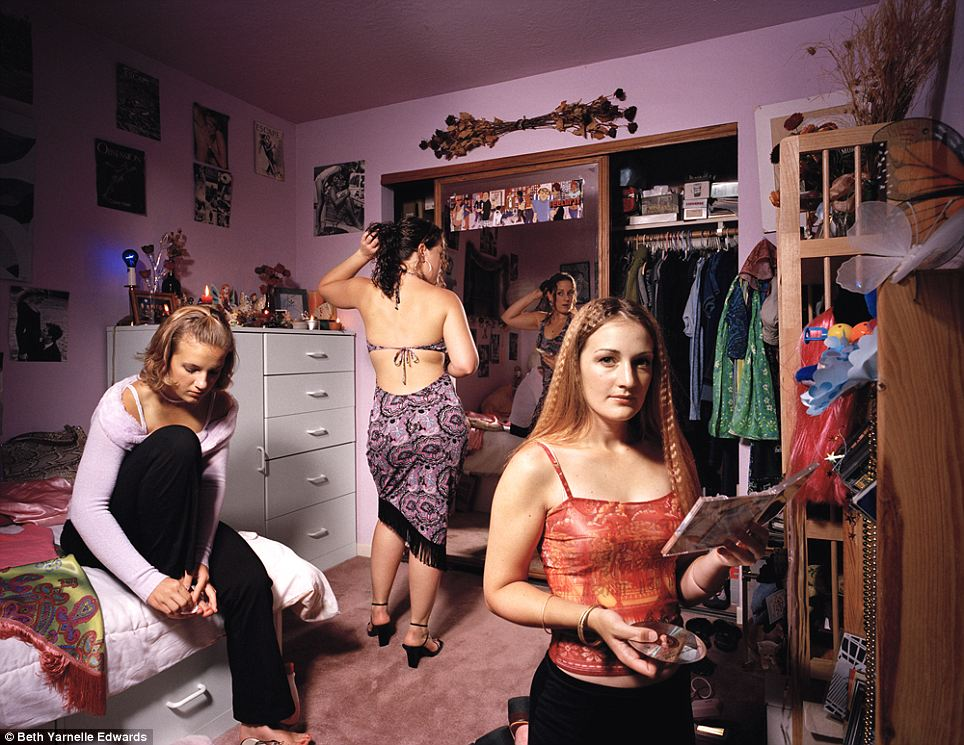 'Niki': Three sisters prepare for a night out with the crimped hair and fashions of the late 1990s