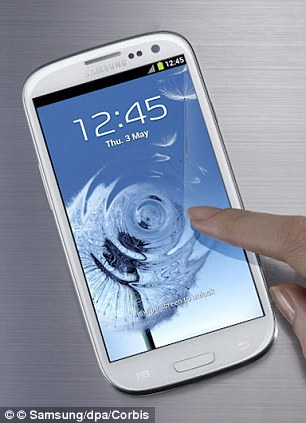 Samsung has topped the first ever customer satisfaction index to focus purely on smartphone brands and their phones.