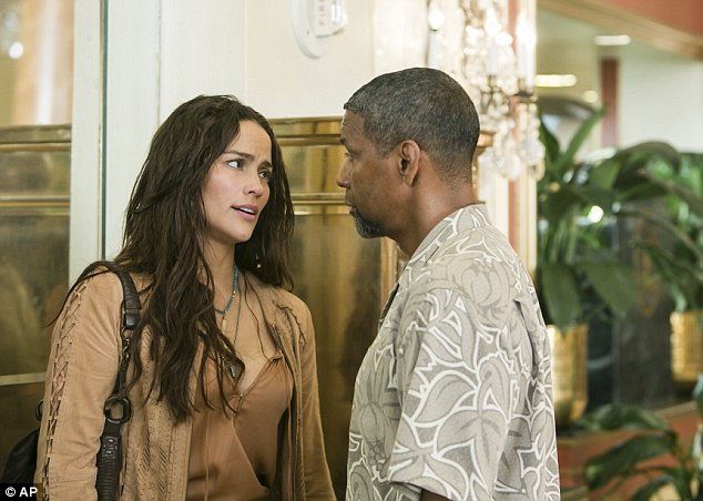 Action time: In 2 Guns Denzel and Paula share a steamy love scene