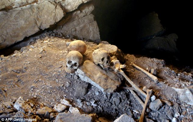 Skeletons found in 'La Sepultura' cave in Tamaulipas state, Mexico