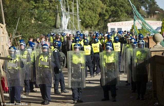 Dale Farm the UK's largest travellers' site cost £7¿million to clear forcibly in 2011