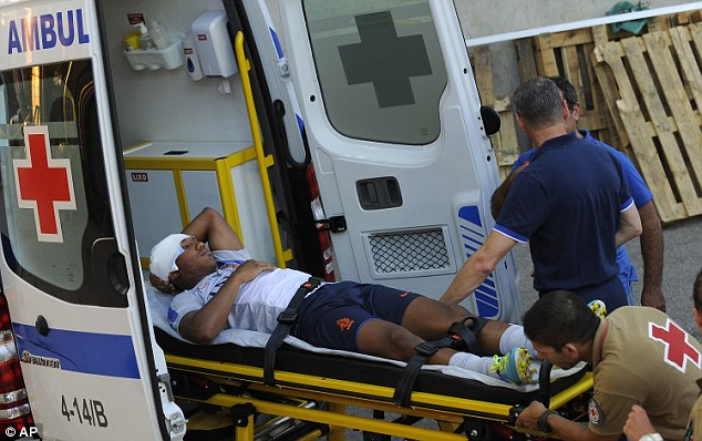 Bandaged: De Guzman will not be able to take part in Holland's clash against Portugal
