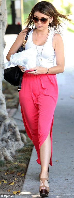 Day off: Sarah Hyland wasn't required to work that day so instead hit the hair salon for a pamper session