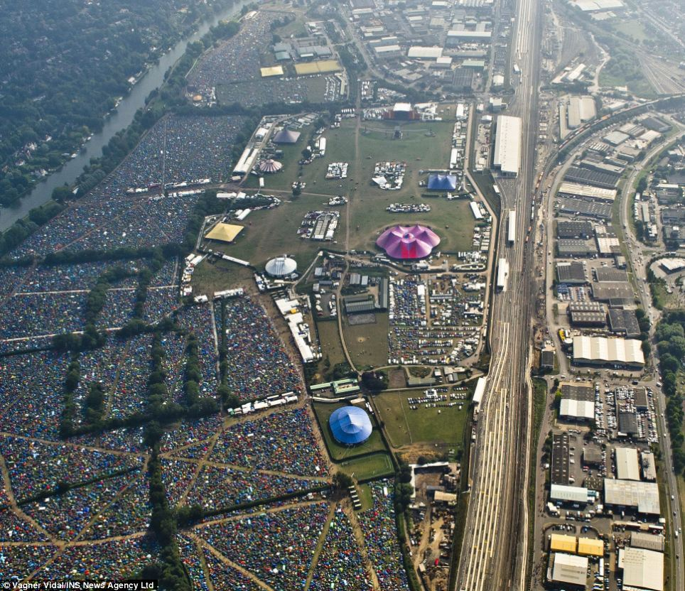 Despite a sunny start to the day for revellers, heavy rain is expected at both Reading and Leeds tonight