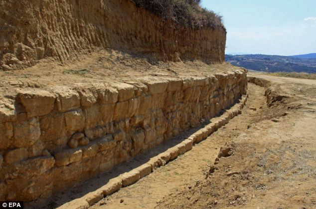 Archaeologists have uncovered what could be the grave of Alexander the Great