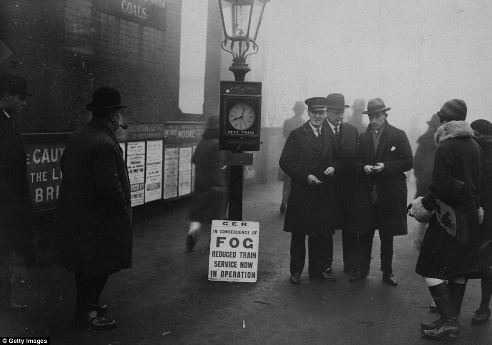 17th January 1927: City workers in Woodford, London are warned their journeys to work may be hindered by the winter conditions