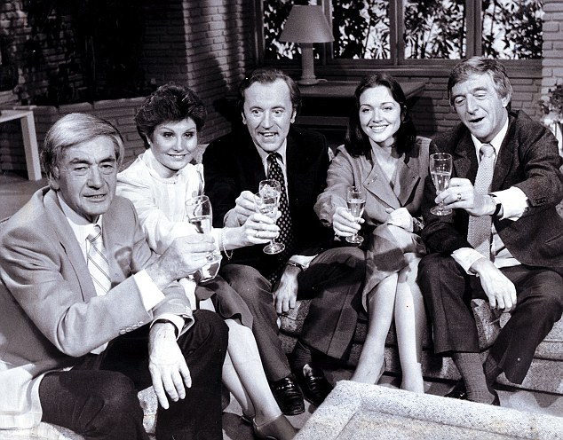 David Frost with Robert Kee Angela Rippon Anna Ford and Michael Parkinson at the launch of TV AM