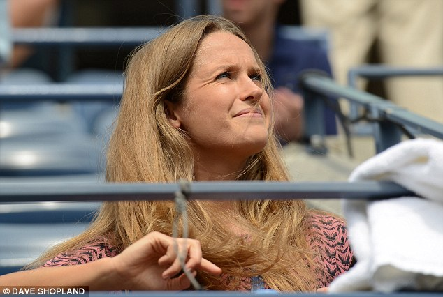 In the stands: Kim Sears watches boyfriend Murray take on Mayer
