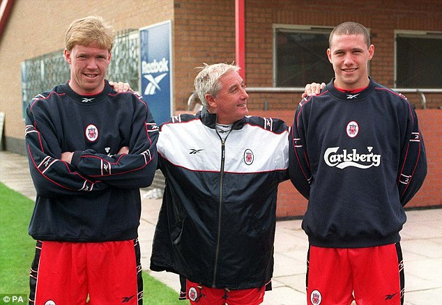Flop: Sean Dundee (right) was a big failure at Anfield, and left after only a year at the club